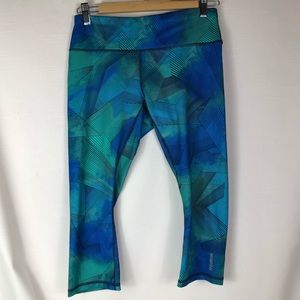 Reebok capri legging size medium aqua blue & green